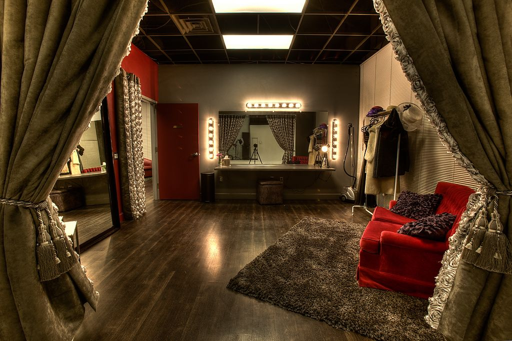 Glamour makeup room interior design - Interior Design ... on Make Up Room Design  id=45809