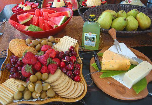 Best 25+ Budget Wedding Foods Ideas On Pinterest