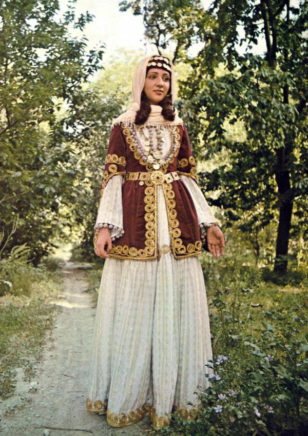 Soundwoflaing Национальные костюмы грузии и армении