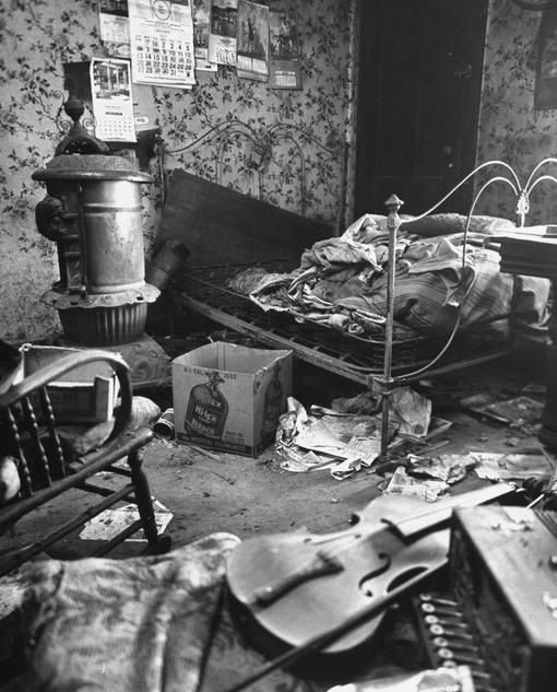 "the bedroom of Ed Gein ""Serial killer Ed Gein was ..."