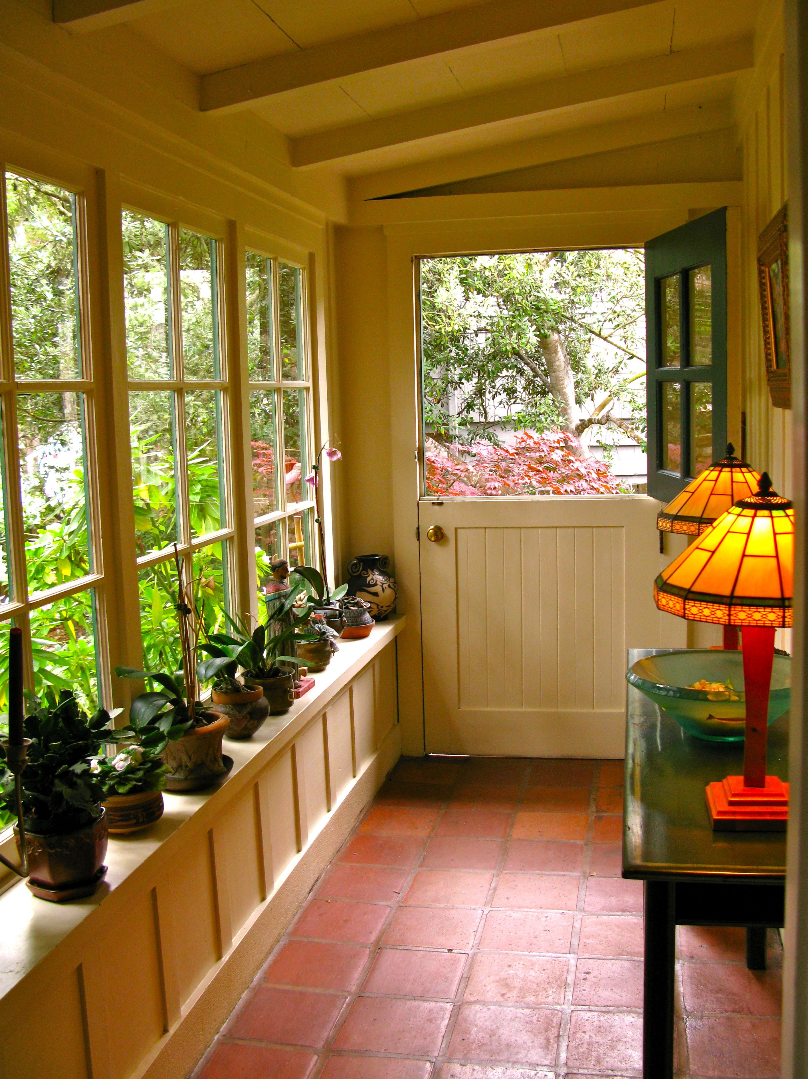 Small Enclosed Front Porch Ideas …   Projects to Try ... on Small Enclosed Patio Ideas id=85309