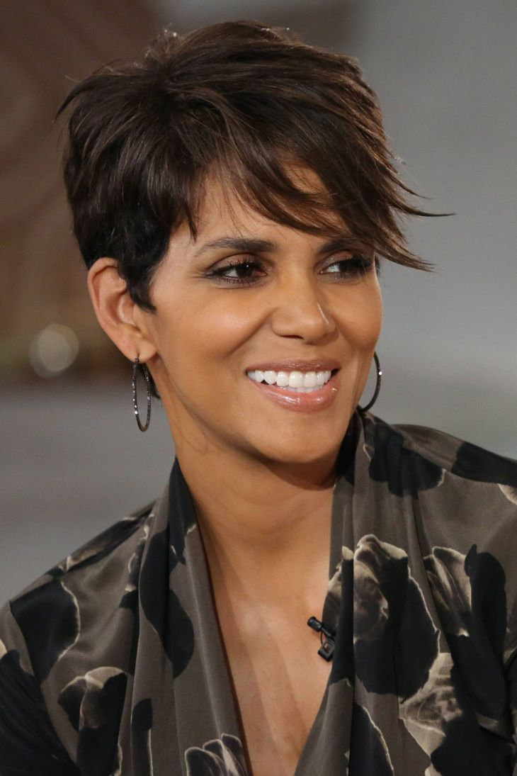 Halle Berry is so beautiful Halle Berry Hairstyles Pinterest
