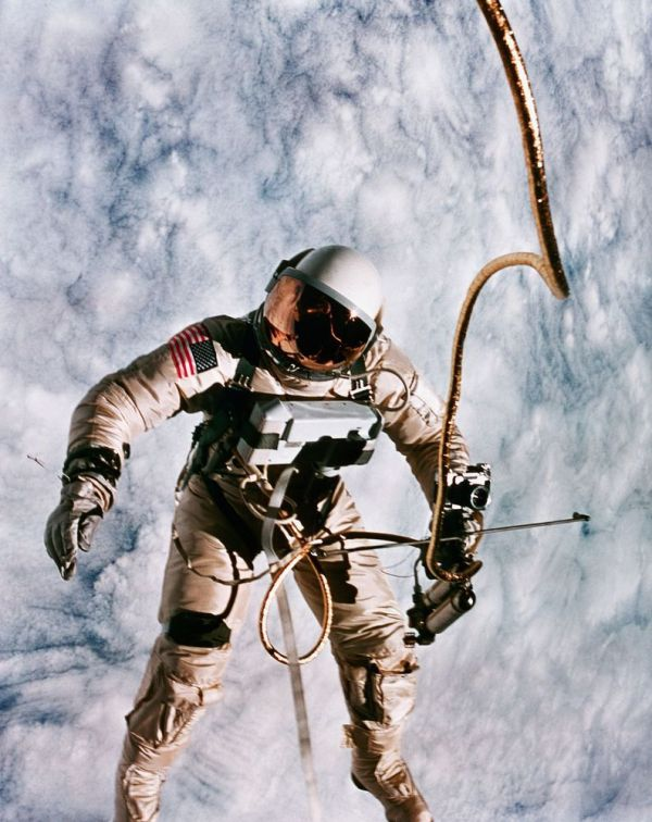 Amazing photos of US spacewalks throughout the years
