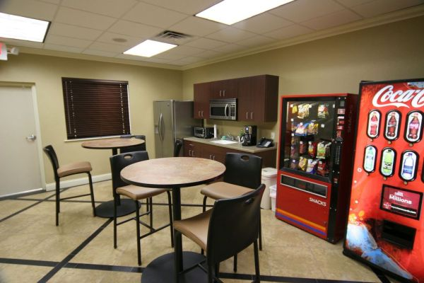 Office:Simple Office Break Room Ideas For Small Space With ...