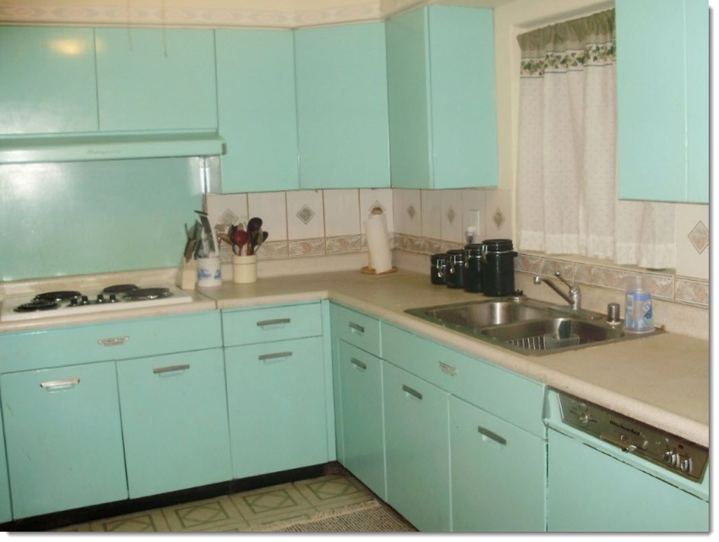 Vintage 1940s Kitchen With Por Aqua Turquoise Metal Cabinets Credit Ugly House