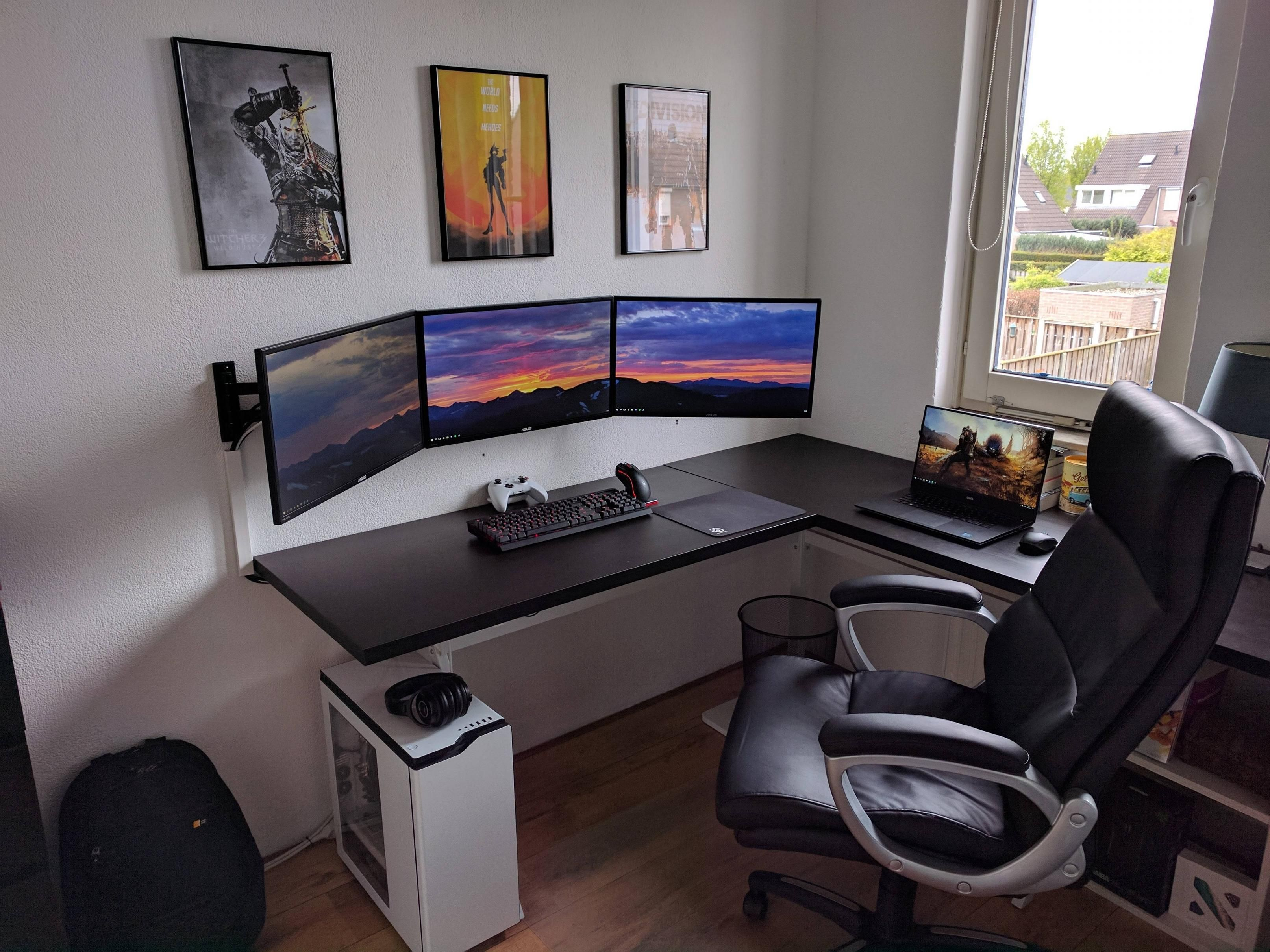 If you have a game room or recreation area in your home, it's important to have good lighting. Living Room Pc Gaming Setup
