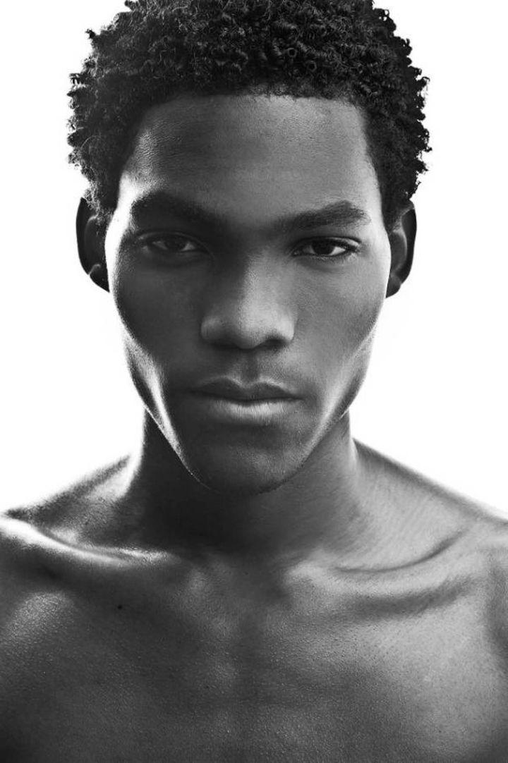 Schöne Schwarze Frisuren Für Männer Frisur