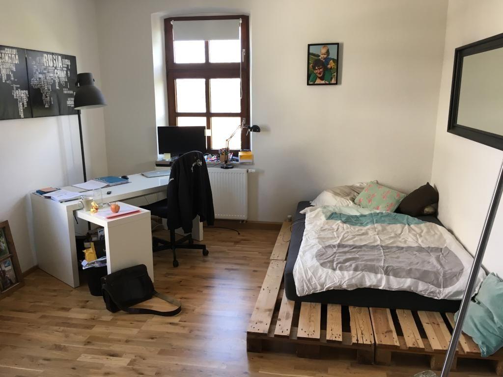 Einfaches Diy Palettenbett Als Perfekte Wg Zimmer