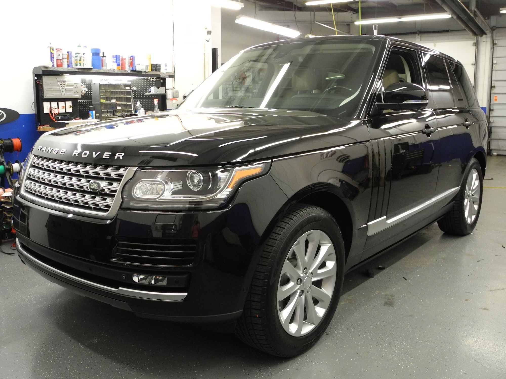 The owner of this Range Rover HSE wanted to add aftermarket
