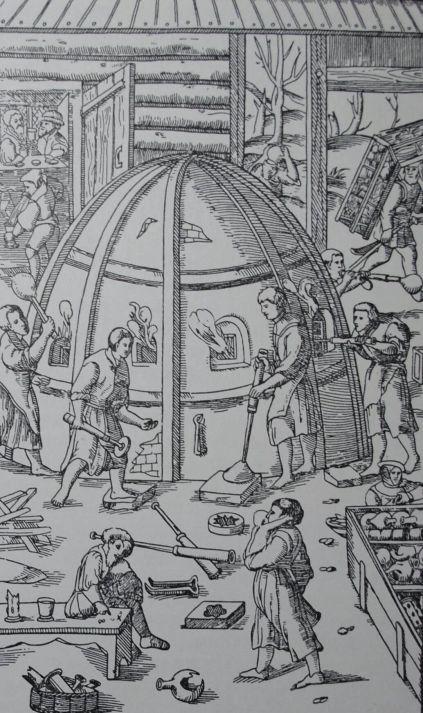 """Стеклодувы. Гравюра из книги Г. Агриколы """"О металлах"""" 1556 г.:"""