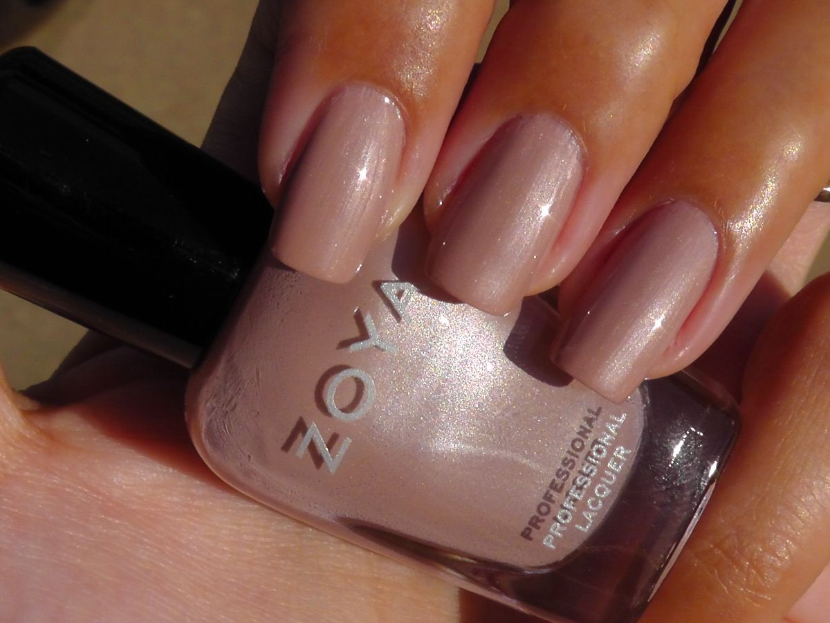 Choosing The Best Nail Colors For Your Skin Tone