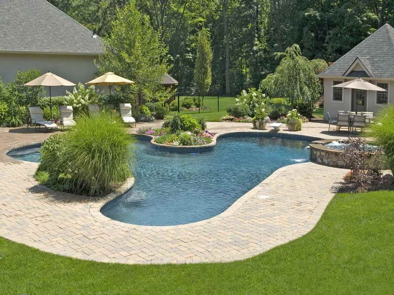 Cool Landscaping Ideas For Pools With Resort Style Pool