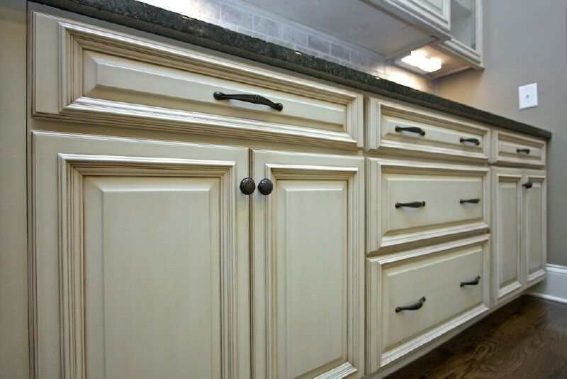 Glaze on white cabinets for Dove white cabinets with cocoa glaze