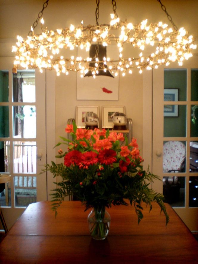 Diy Wreath Frame Chandelier Tutorial 2 Wreaths Christmas Lights Chain An Extension Cord This Would Be Pretty Hanging On A Screened Porch For