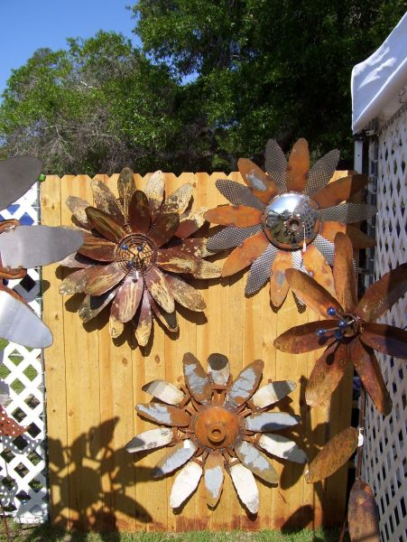 rusty metal flowers garden art Metal Garden Art on Pinterest | Metal Yard Art, Garden Art