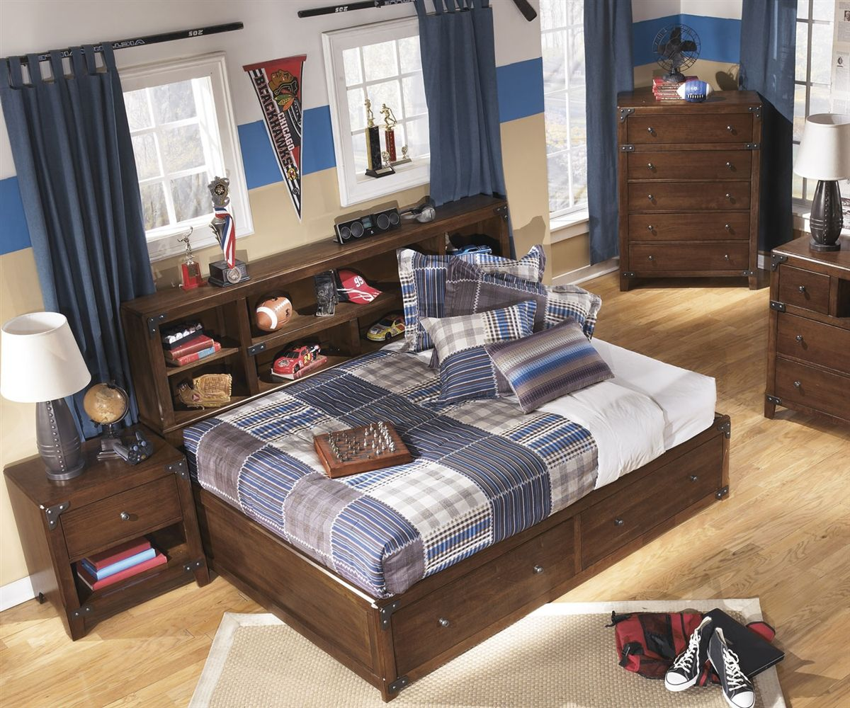 Delburne Full Size Storage Bed