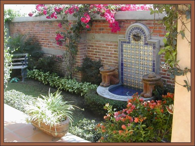 mexican style water feature - this is it! i'm going to ... on Mexican Backyard Decor id=75998