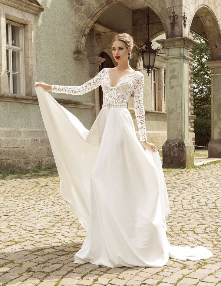 Summer Style Lace Long Sleeve Wedding Dresses V Neck A Line