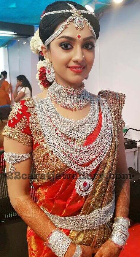 Ravi Pillai Daughter Aarathi Wedding Jewellery She Worn