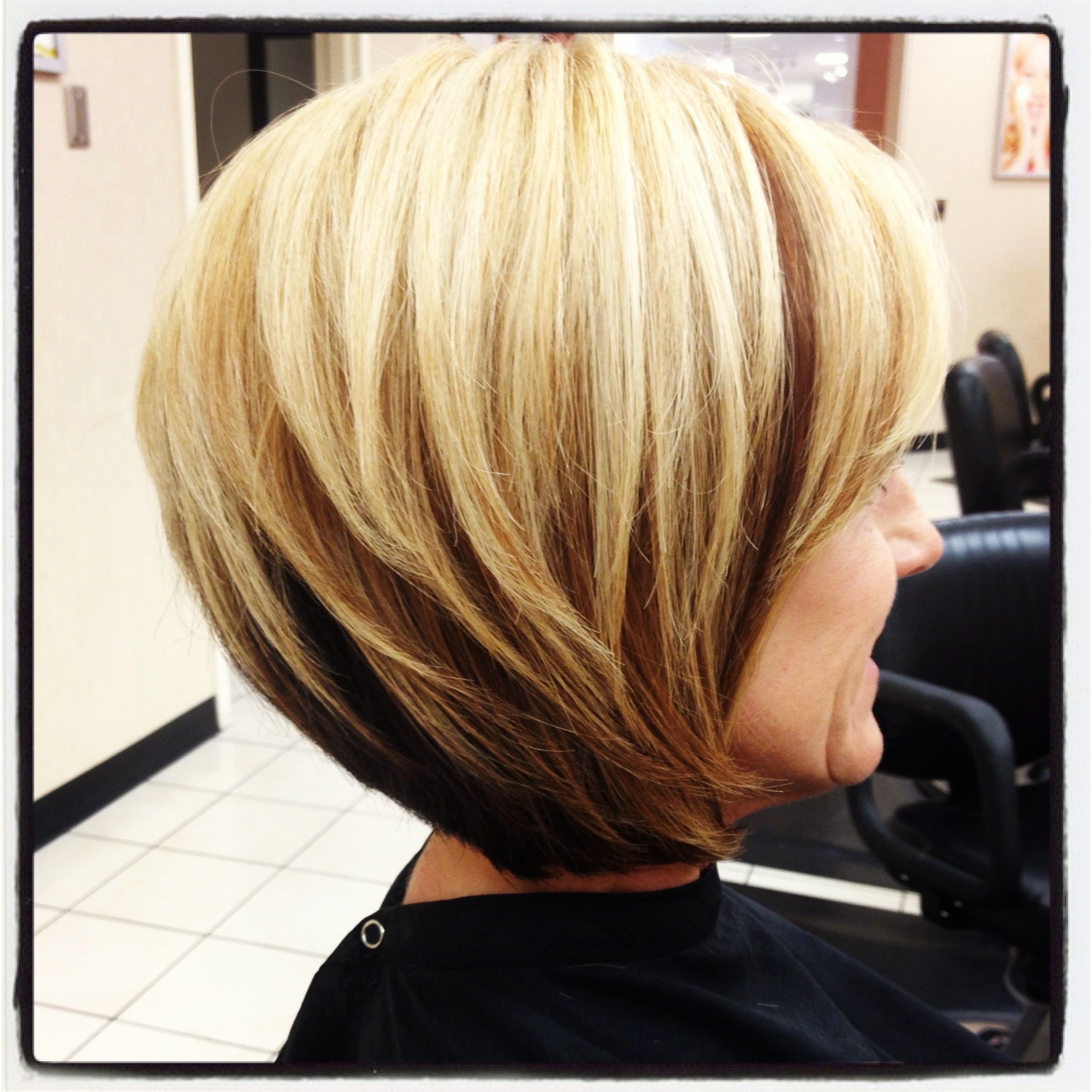 Blonde short angled bob by Samantha concha Scott Anthony salon ft