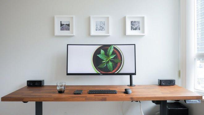 A clean minimalistic and ergonomic desk is my diy dream
