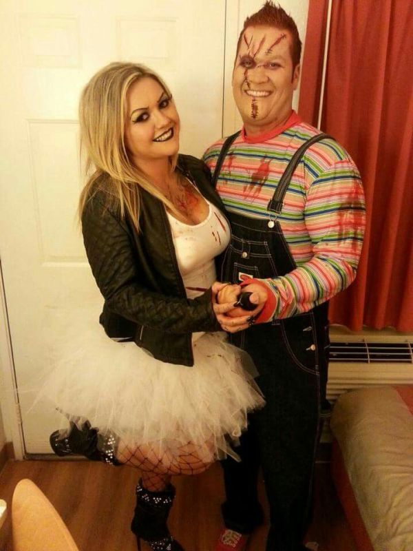Couples costumes Chucky and Chuckys bride halloween
