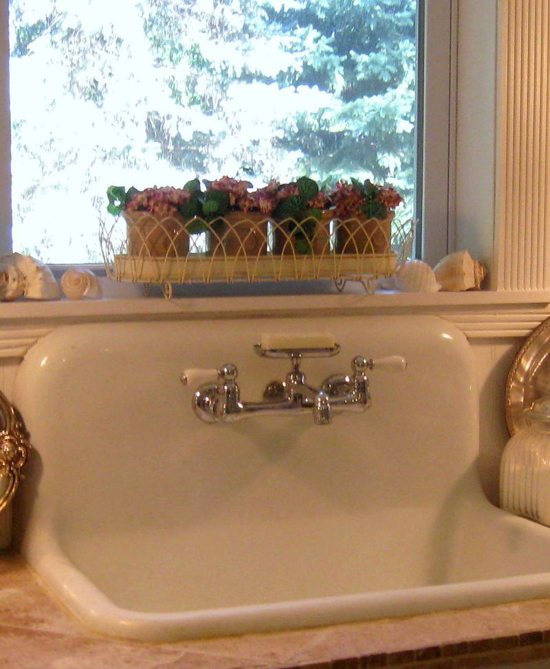 antique farm sinks always look awesome homeware pinterest sinks farming and kitchens on kitchen sink id=33885