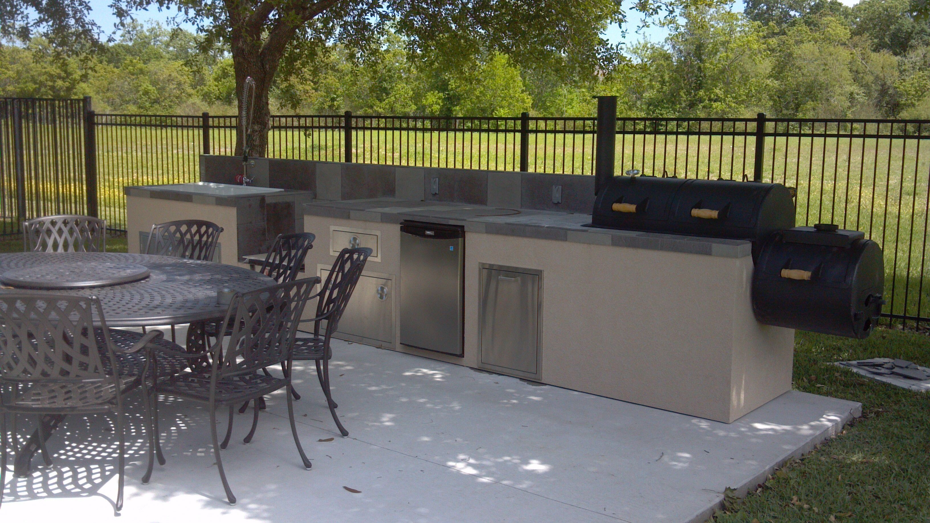 outdoor kitchens smoker google search smoker grill ideas pinterest on outdoor kitchen with smoker id=73076