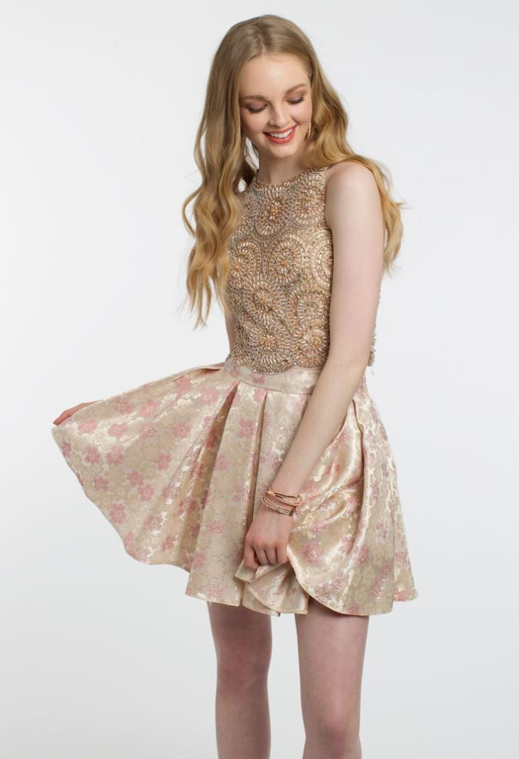 Nice Short Dresses Be a golden girl in this elegant party dress