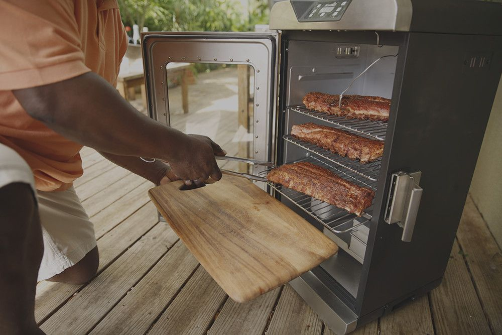 Check out the 321 method to smoke ribs in an electric