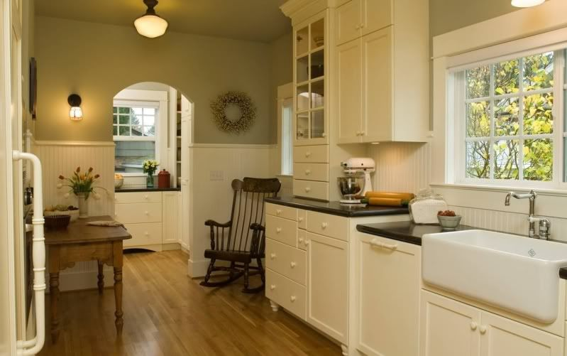 green paint on kitchen walls floors what color would you paint walls kitchens forum on farmhouse kitchen wall colors id=23434