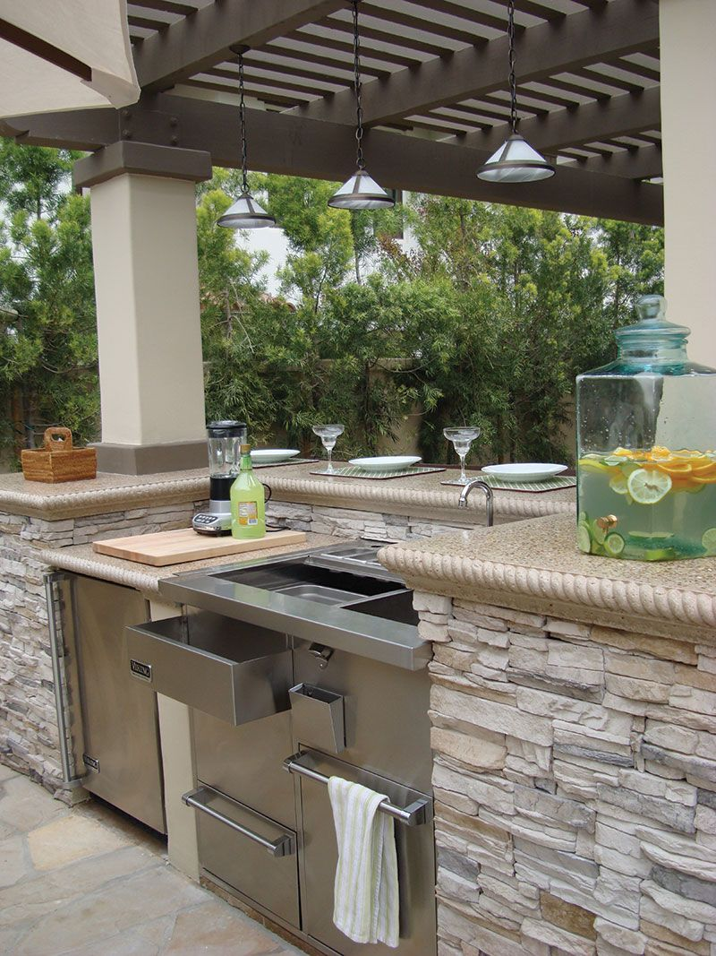 outdoor kitchen light colored quartz countertop google search dining in the great outdoors on outdoor kitchen quartz id=49456