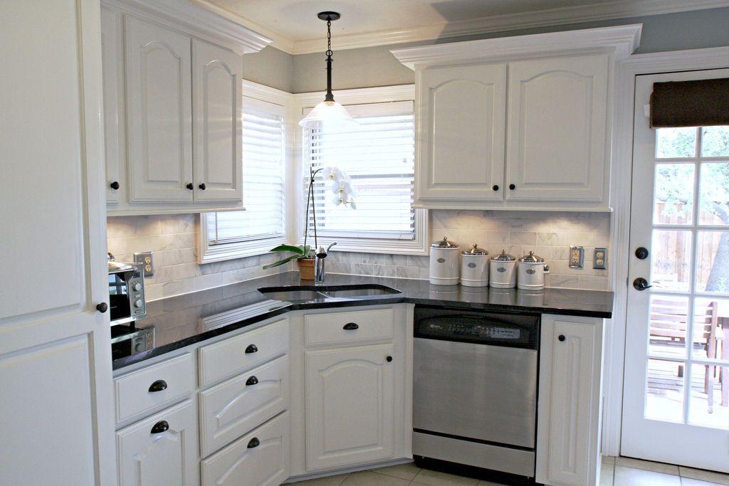 carrera marble backsplash black granite countertops ... on Best Backsplash For Black Countertops  id=62855