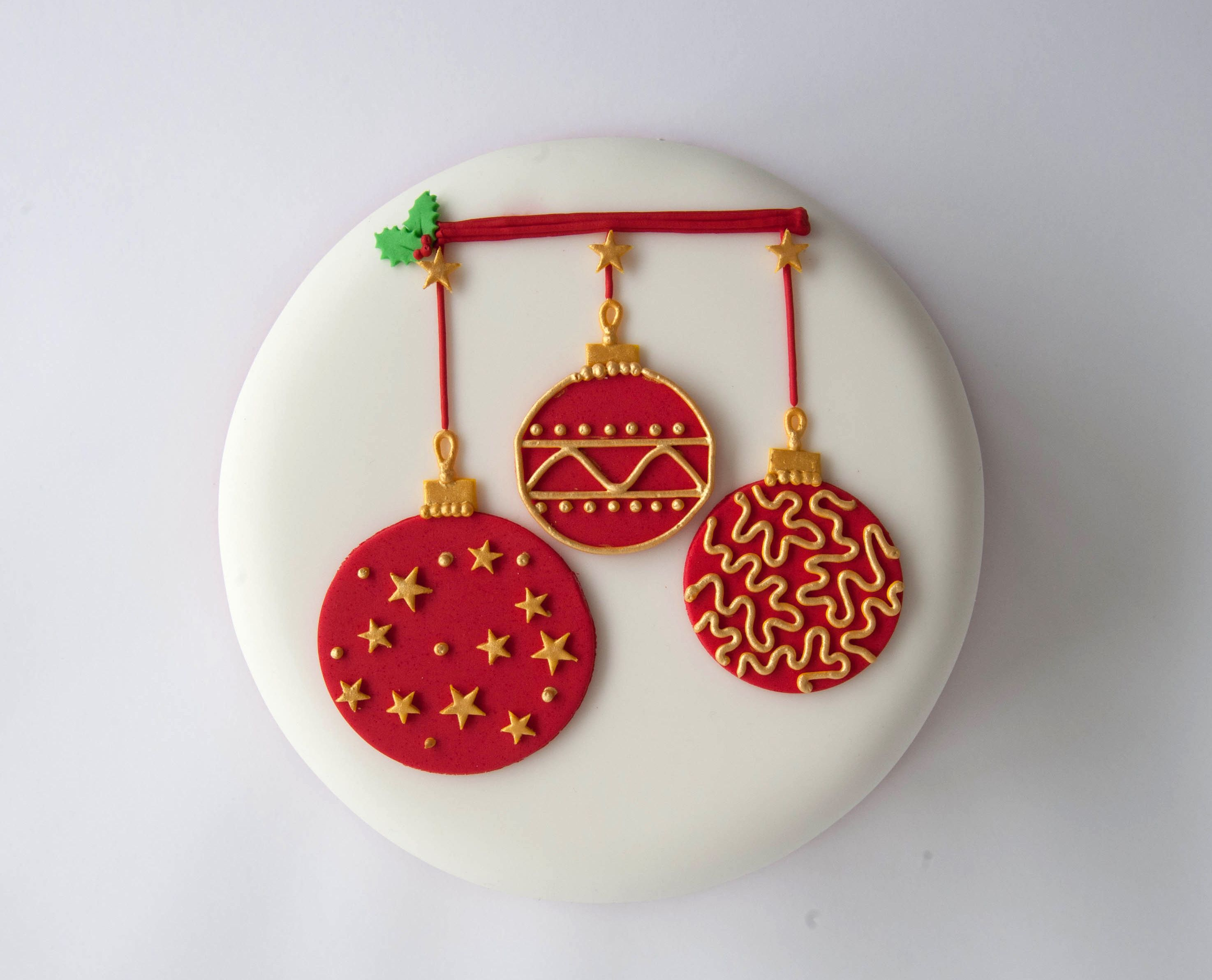 Day 1 Christmas Cake Decorating