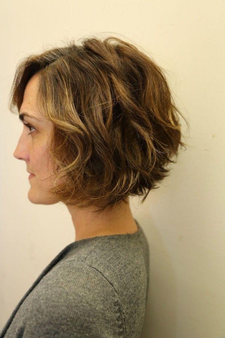 Stylish Bob Hairstyles for Wavy Hair Wavy bob haircuts Wavy