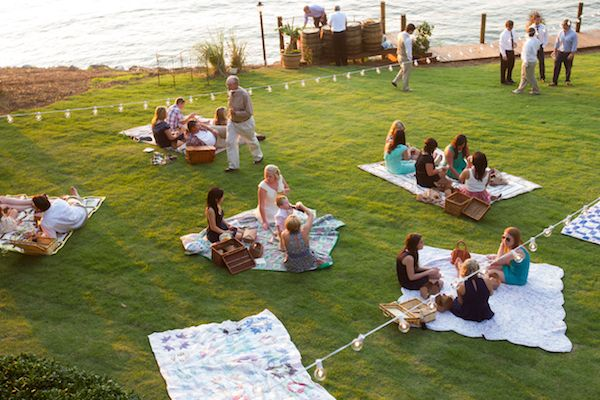 Sp Cute And Casual - Picnic Wedding Reception