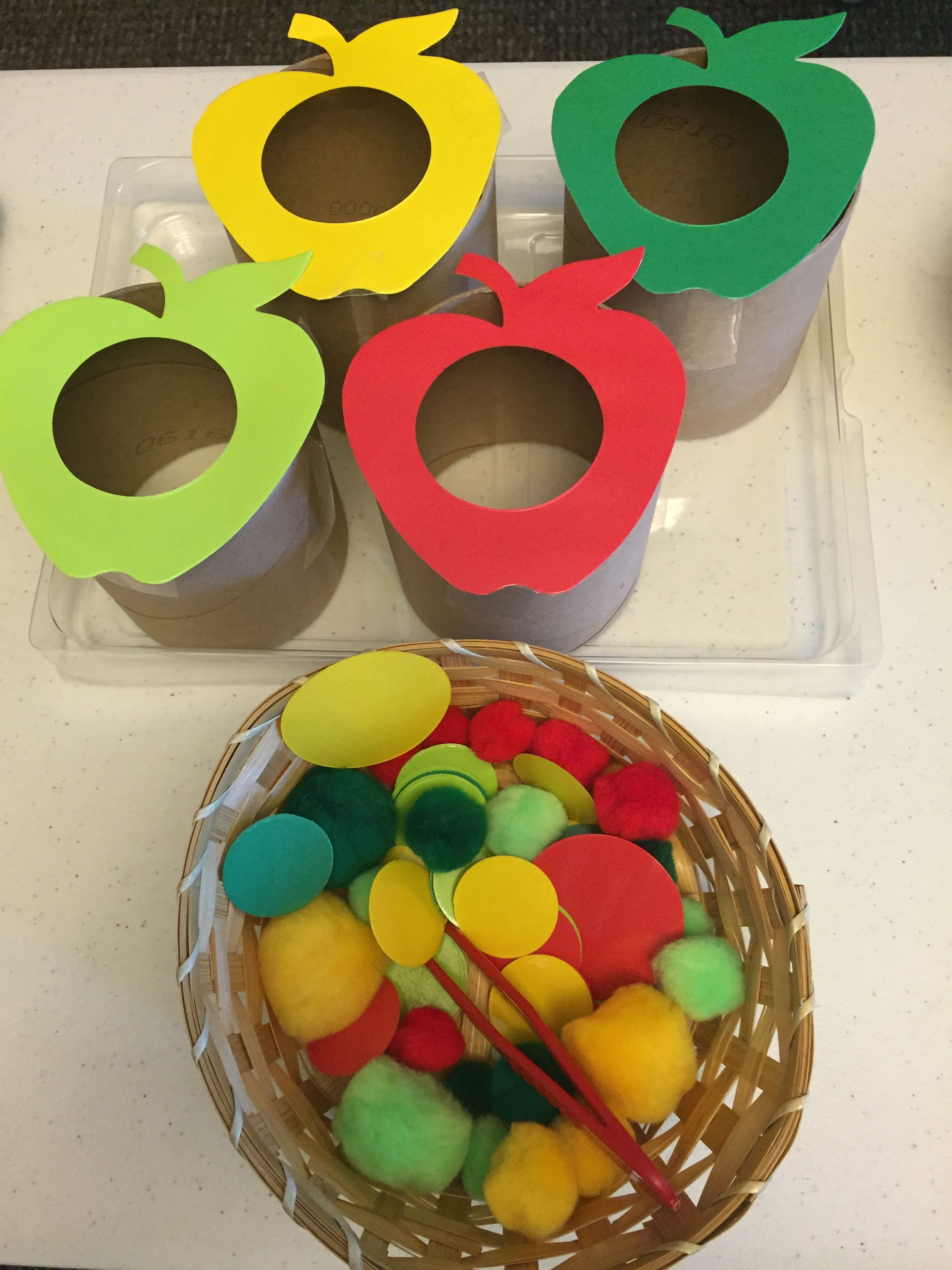 Apple Sorting Activity Begin By Cutting Out Apple Shapes In The Example Shown Four Colors Of