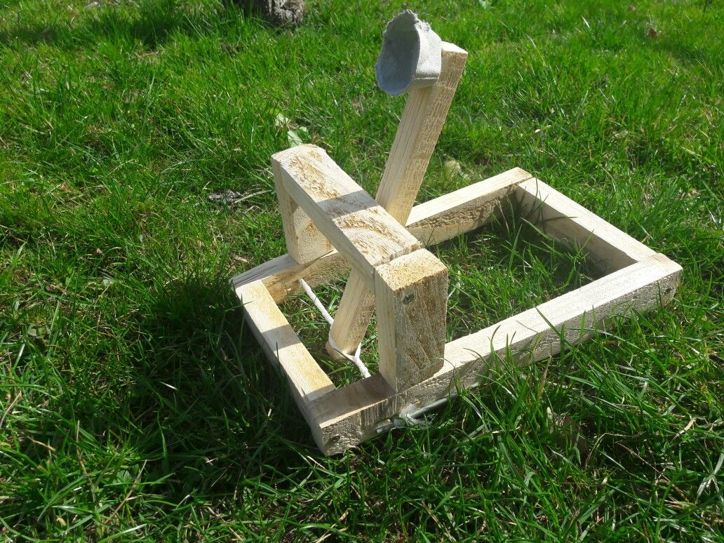 Free Miniature Version Of A Real Medieval Catapult