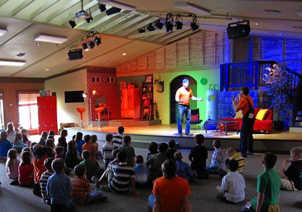 Cool Children's Stage Design