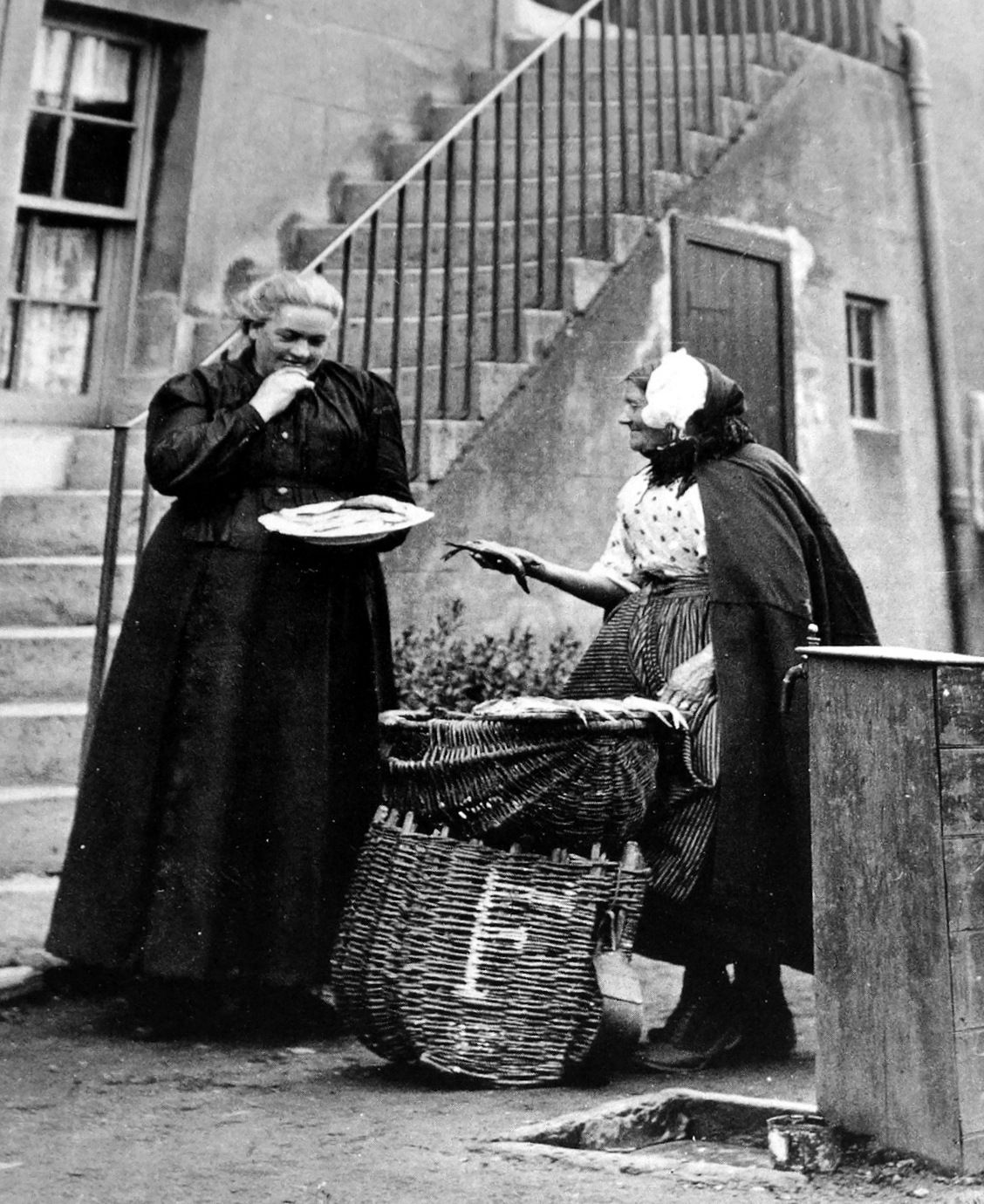 Tour Scotland Photographs Old Photograph Fish Seller