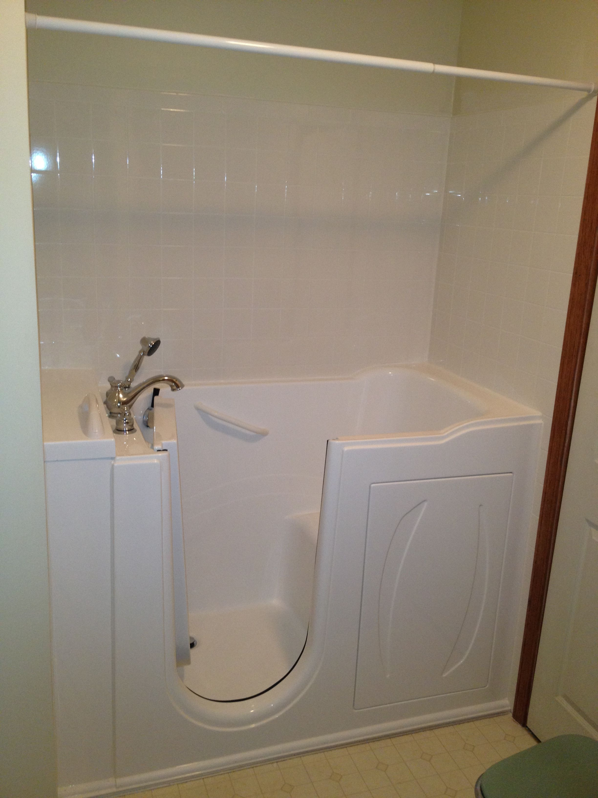 Serenity Walk In Bathtubs Come With An Adjustable Shower