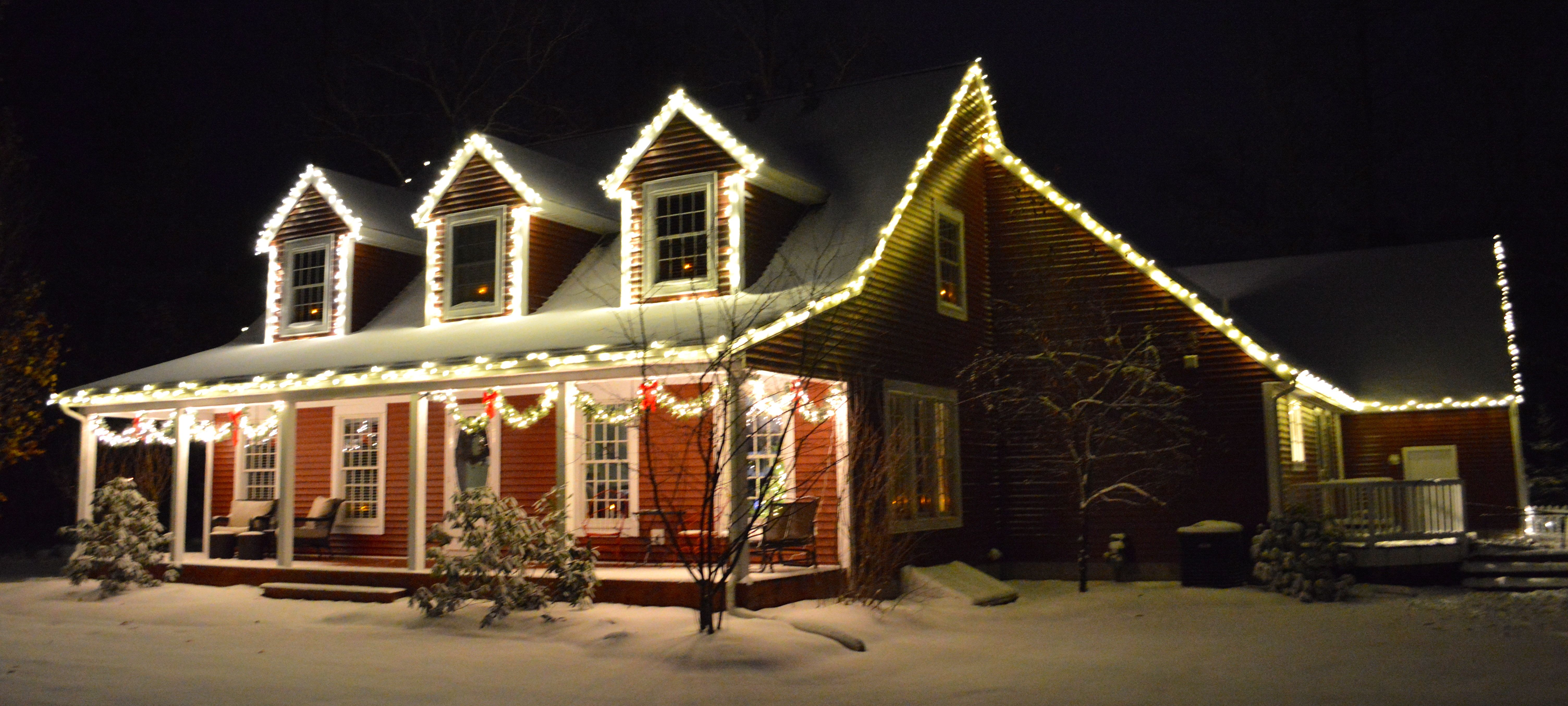 Cape Cod Outdoor Christmas Lights White