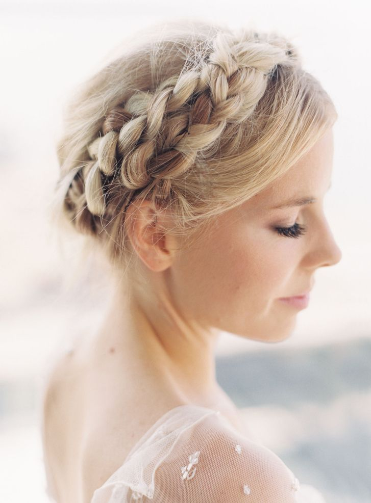 11 Beautiful milkmaid braid updo hairstyles that never go out style - milkmaid braid ideas,fishtail milkmaid braid,french milkmaid braids updo,dutch milkmaid braids updo #updo #milkmaidbraids #weddinghairstyles #hairstyles