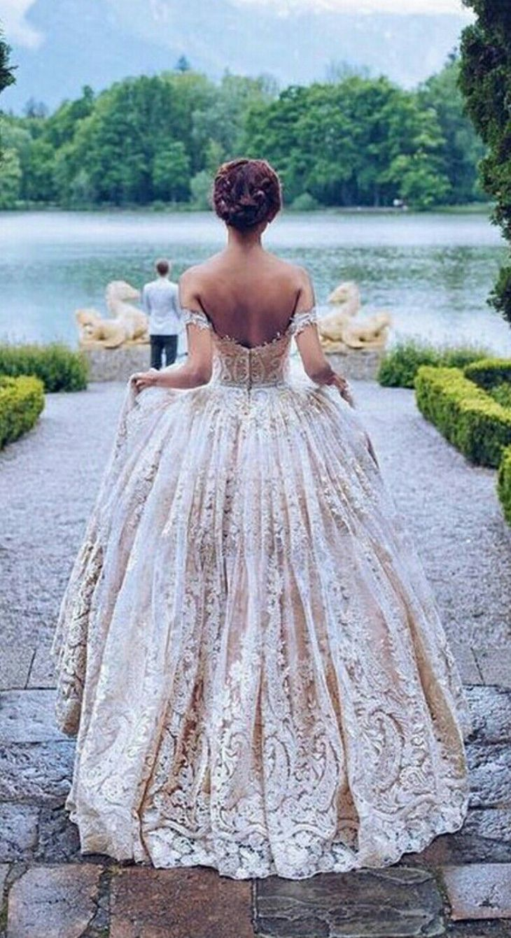 Vintage Lace Wedding Gown  WEDDING DRESS UP IVORY u WHITE