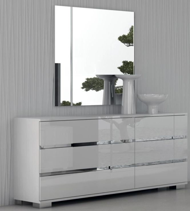 The 25 Best Ideas About White Gloss Bedroom Furniture On Pinterest Paint Gold And Dresser