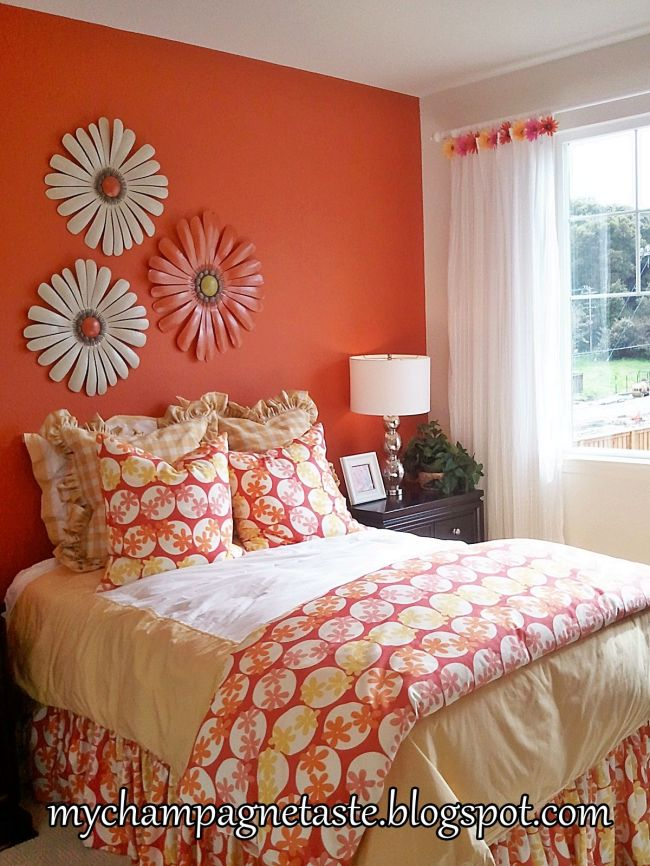 this would look really nice, one wall a soft coral colour ...