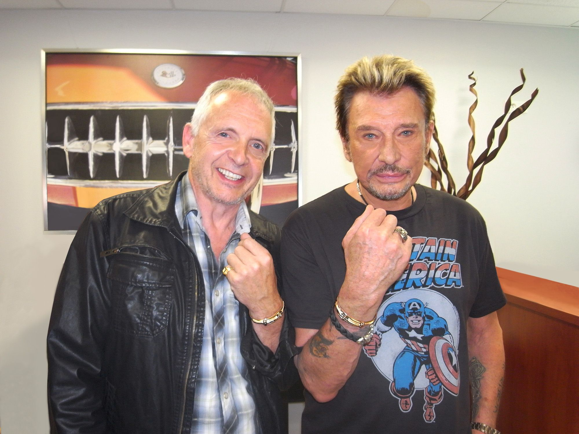 Philippe Tournaire Posant Avec Johnny Hallyday Lors De Sa