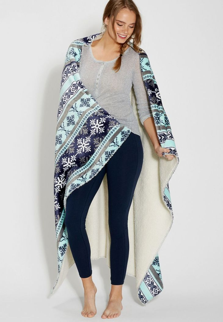 ultra soft blanket in blue snowflake print  Home Ideas  Pinterest