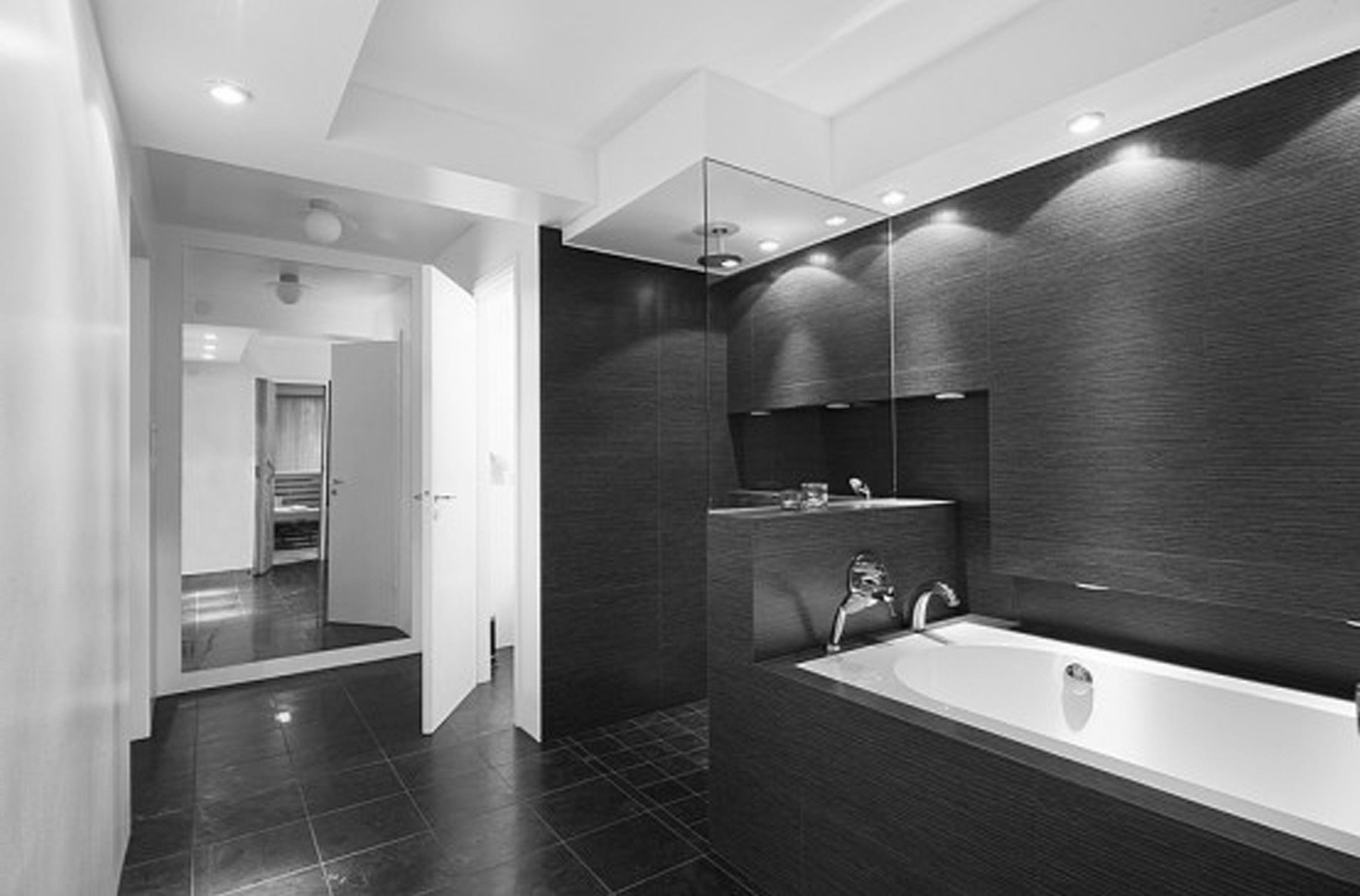 Beauteous Black And White Bathroom Decor Concepts With