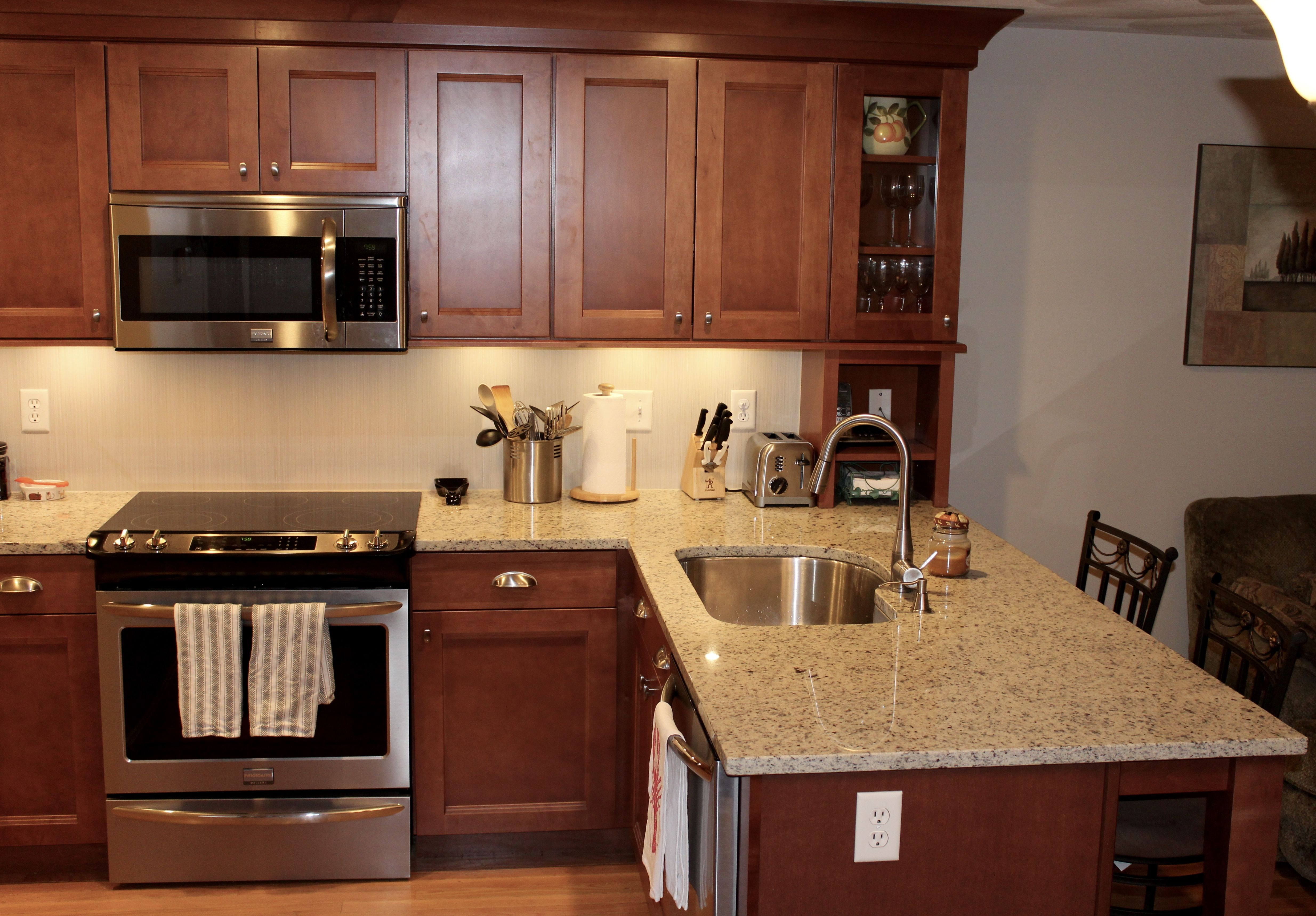 Shaker Kitchen Cabinets in maple cognac ,Glass kitchen ... on What Color Backsplash With Maple Cabinets  id=59500